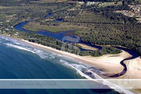 Council preparing to open the mouth of Belongil Creek